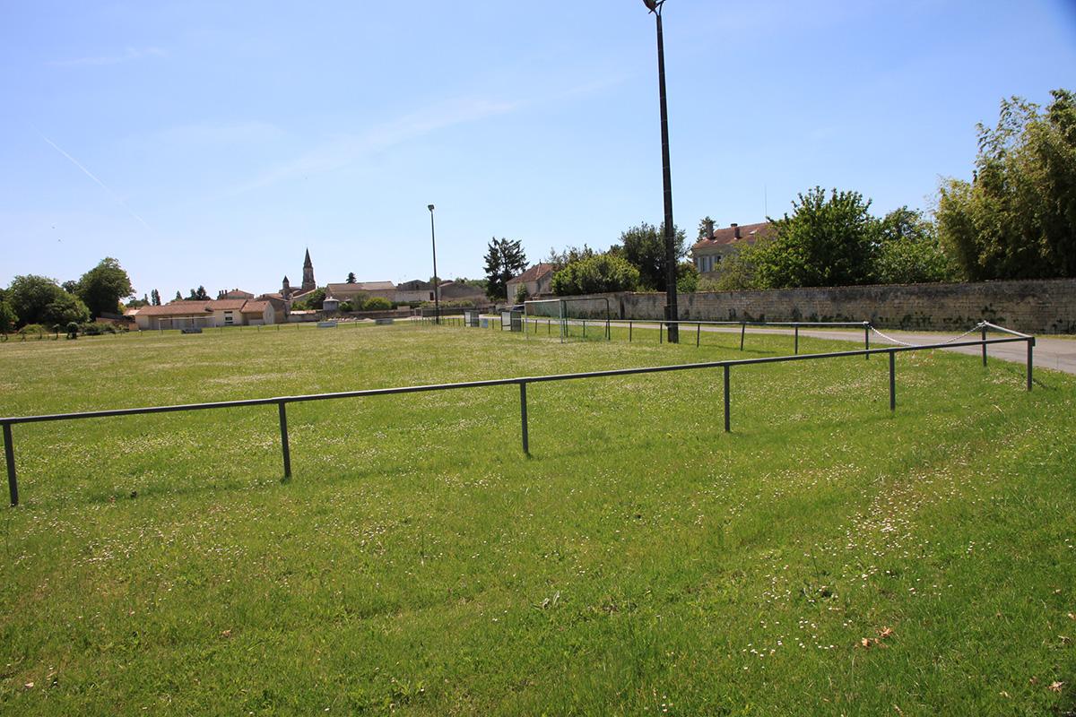 Tesson - Terrain de Football