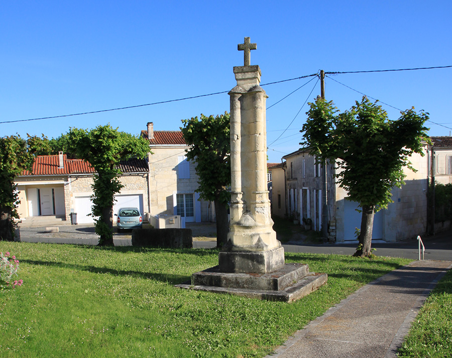 Tesson - Croix Hosannière